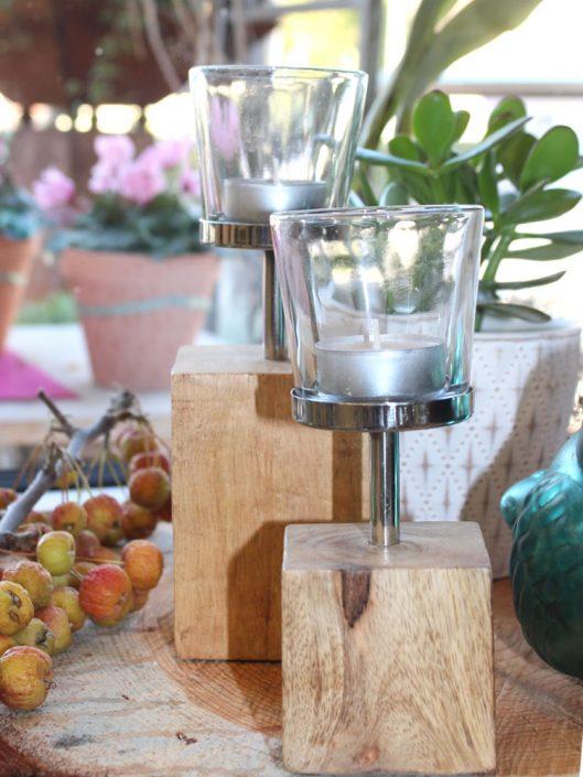 Teelichthalter mit Holzfuß